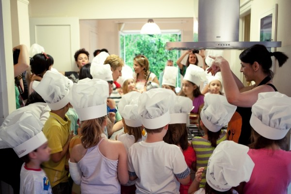 Macedonia Halva young fans are cooking with Eva Monohari (Food Blogger)
